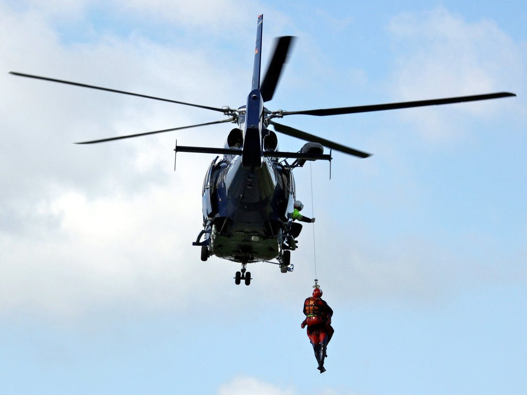 Windenübung mit Hubschrauber EC155