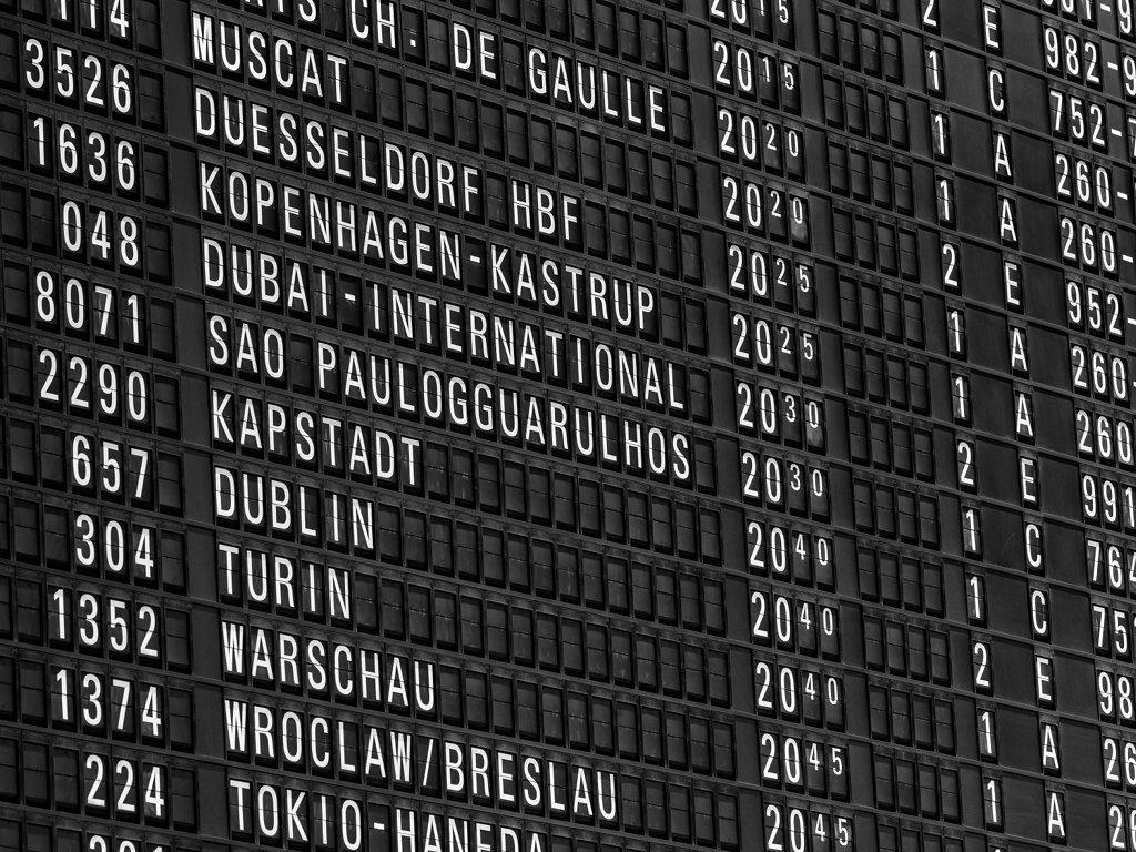 Flughafen Anzeigetafel Abflüge